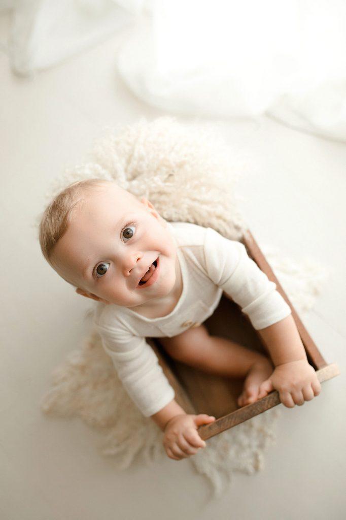 Fotografo neonati e bebè a Verona Trento. Servizio fotografico neonati e bebè. Hunny Pixel fotografia di neonati, bebè, gravidanza e ritratti di famiglia.